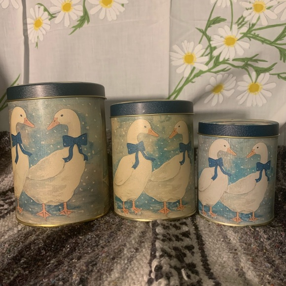 Vintage Other - Vintage tin canisters snowy white ducks motif